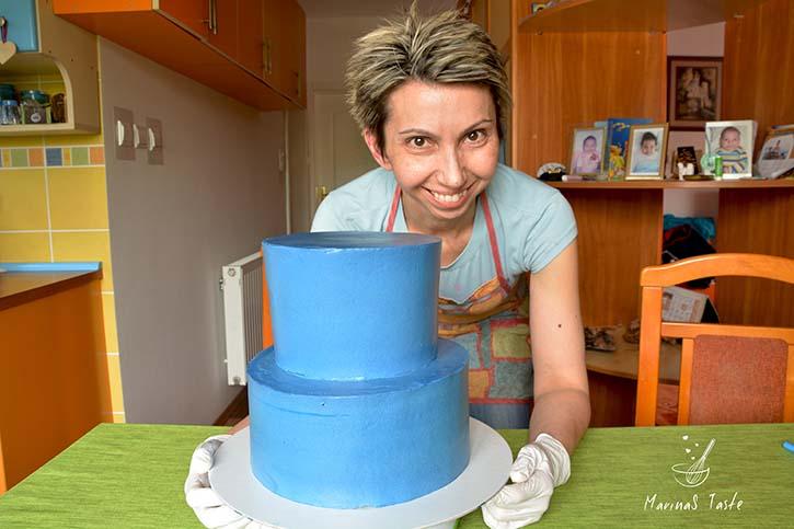 Torta-na-sprat-dekorisana-slagom-2