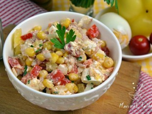 Salata-sa-tunjevinom-i-kukuruzom-1
